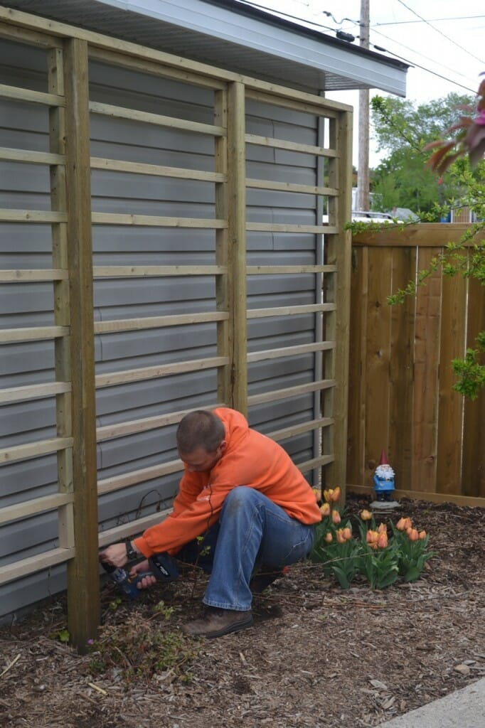 Attaching horizontal pieces to the trellis
